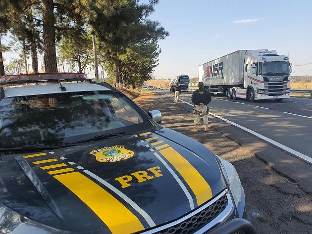 Motociclista morre depois de cair na via Dutra, em São José dos Campos