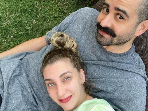 """Youtuber Carol Moreira diz que """"viciou"""" em MasterChef para ajudar o namorado na disputa"""
