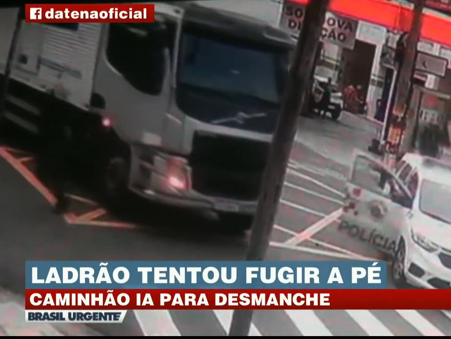 Motorista pula de caminhão em movimento, mas acaba preso pela PM