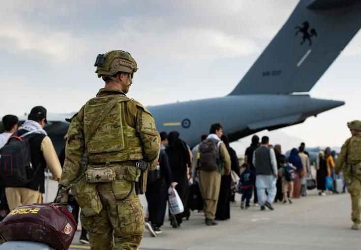 Afeganistão: hospitais estão superlotados após ataque em Cabul