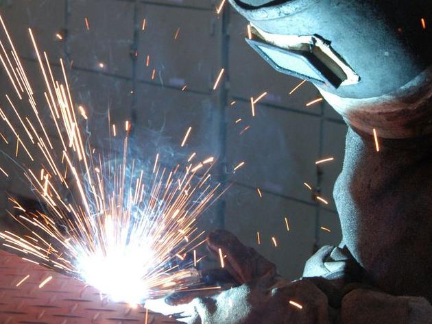 Produção industrial fica estável em junho