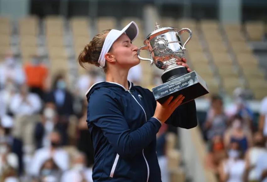 Krejcikova é campeã inédita de Roland Garros