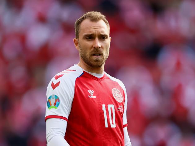 Meia da Dinamarca sofreu um mal súbito na estreia da Eurocopa