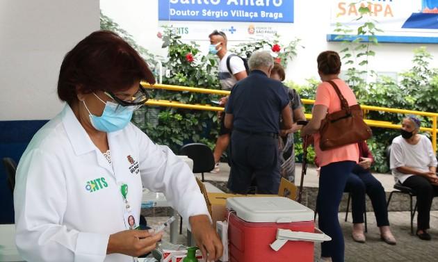 SP vai iniciar vacinação para idosos entre 72 e 74 anos a partir de 22 de março