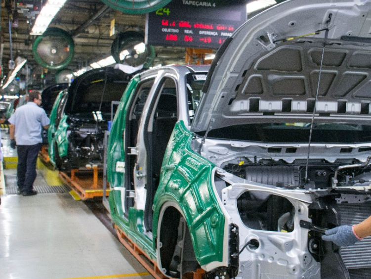 General Motors planeja suspender um turno da produção da S10, em São José dos Campos
