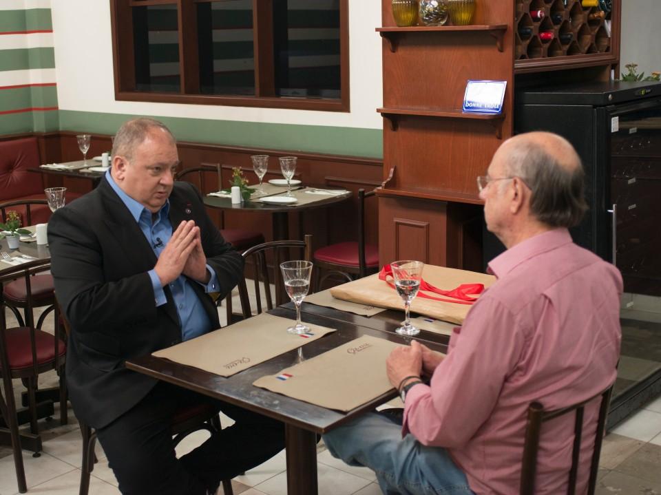 Jacquin conversa com o proprietário Antônio Carlos Cirelli