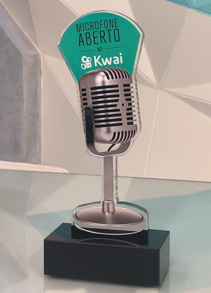 Conheça o Troféu do Microfone Aberto no Kwai