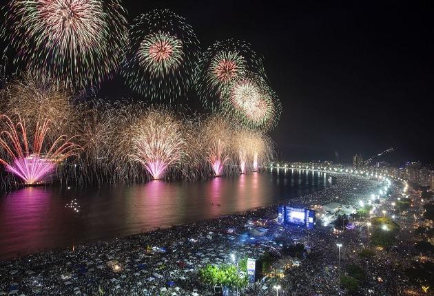 RJ prevê Réveillon e Carnaval em 2022 se calendário de vacinação for cumprido