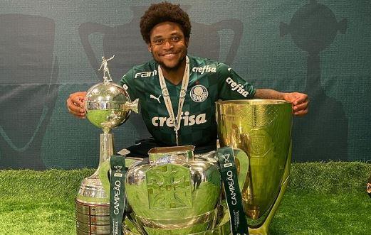 Abel Ferreira elogia Luiz Adriano e explica busca por novo centroavante do Palmeiras