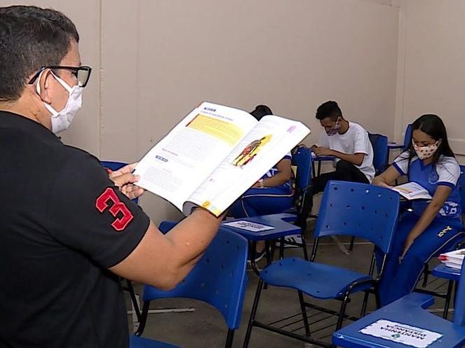 A vacinação do ambiente escolar é fundamental para a retomada das aulas, diz Secretário Estadual de SP