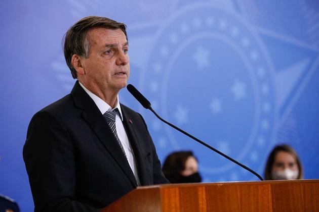 Bolsonaro tem 10 dias para decidir cortes de Orçamento inflado com emendas