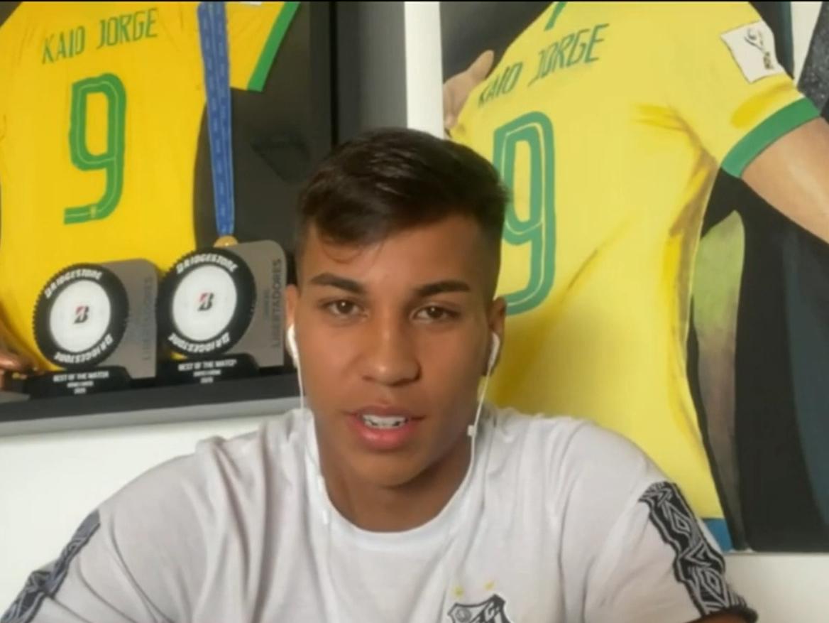 """""""Nem dormi direito"""": Kaio Jorge comemora Santos na final e conselhos de Pelé"""