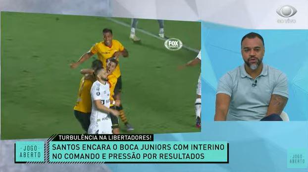 """Denílson sobre Osorio no Santos: """"Mais um que vai ficar pouco tempo"""""""