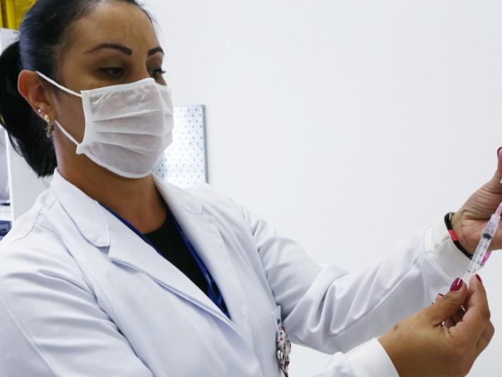 Grávidas e puérperas com comorbidades começam a ser vacinadas contra Covid-19 nesta segunda (17) em São José dos Campos