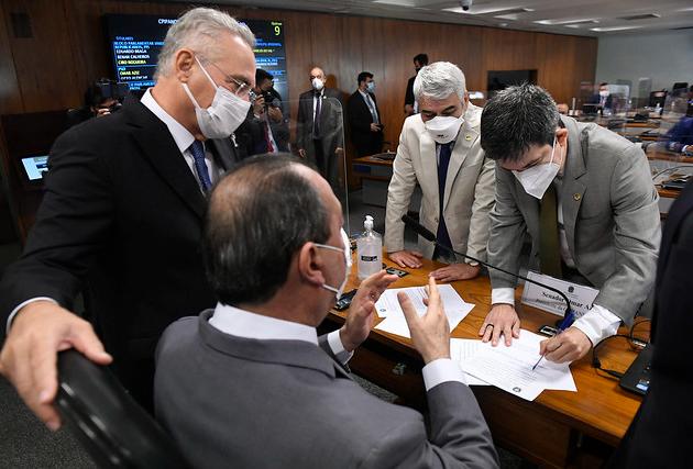 """CPI da Covid repercute os 500 mil mortos: """"Genocídios não se apagam"""""""