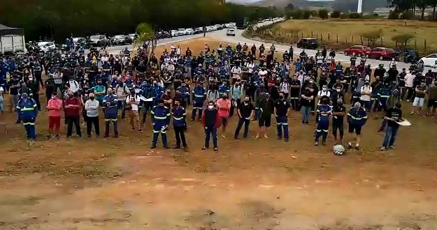 Trabalhadores da Gerdau fazem paralisação pela Campanha Salarial, em Pindamonhangaba