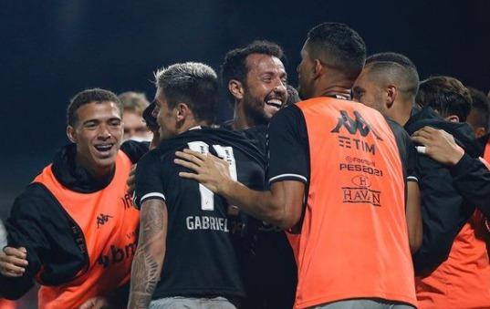 """Fernando Diniz: """"conto com os torcedores nos incentivando do início ao fim"""""""