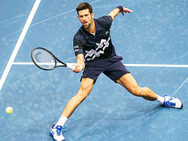 Djokovic vai às quartas e fica perto de garantir nº 1 até o fim do ano