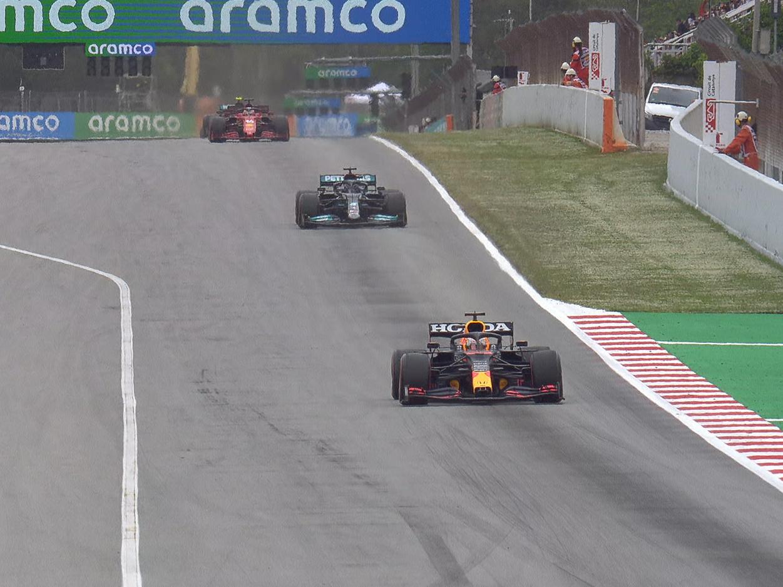 Emerson Fittipaldi vê Hamilton 'pressionado' por Verstappen e elogia disputa