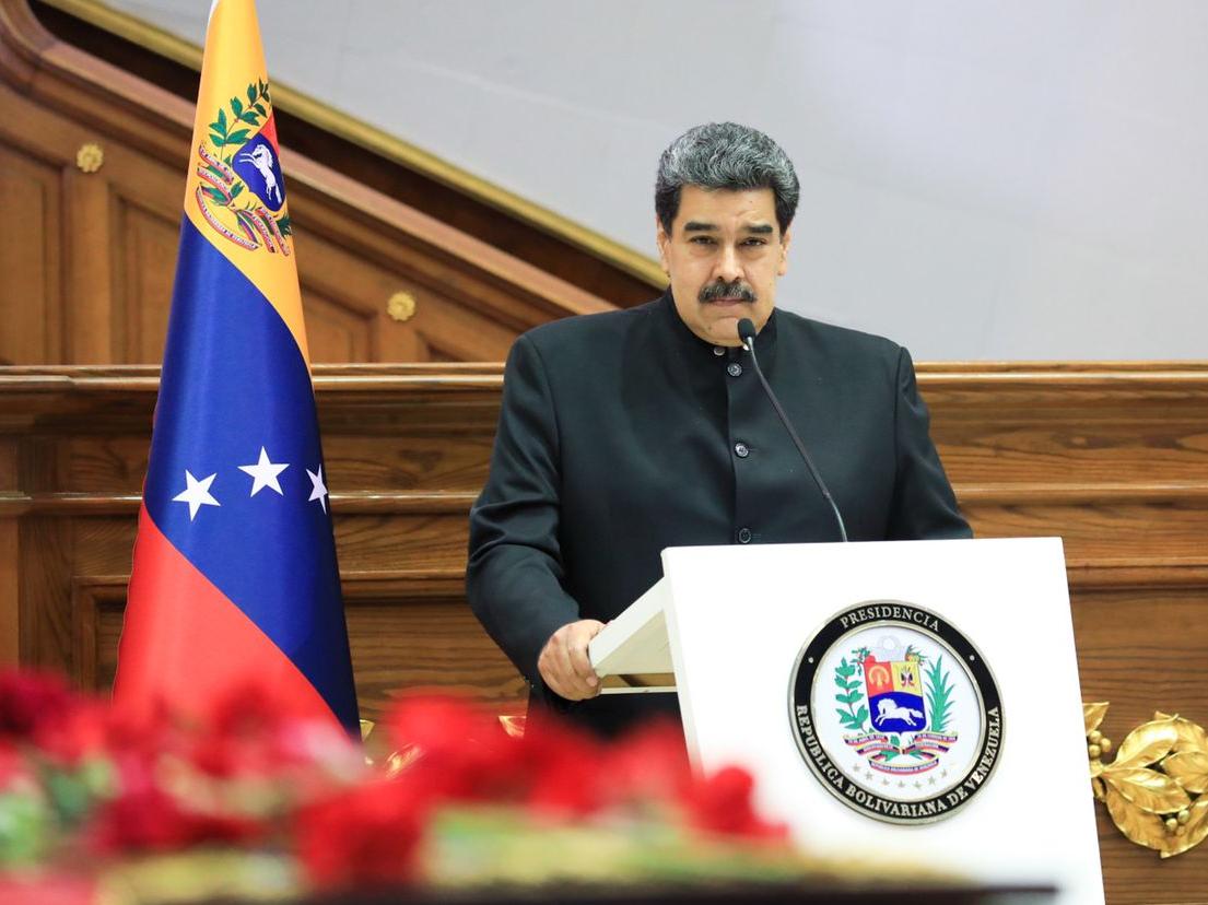 """Maduro chama Bolsonaro de """"imbecil"""" e """"palhaço"""" por associar vacinas ao HIV"""