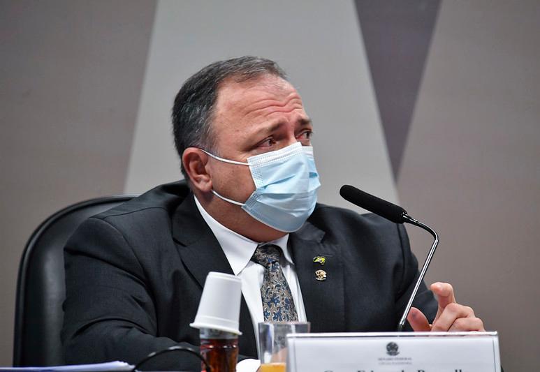 Pazuello diz que Bolsonaro participou de reunião que decidiu não intervir no Amazonas