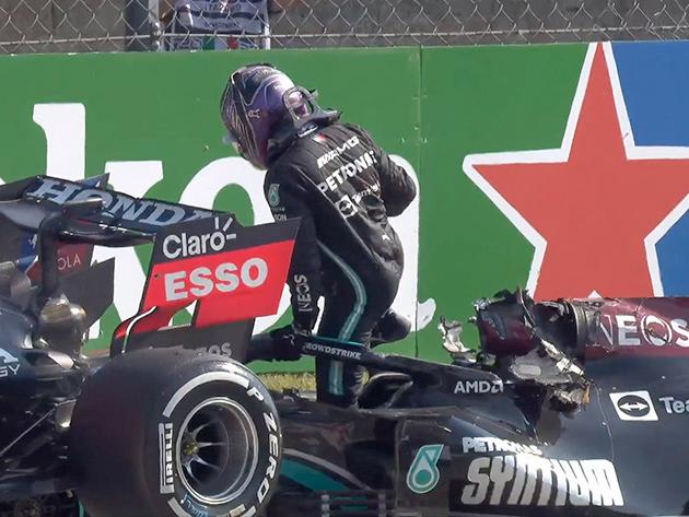 """""""Senti o carro encostando na minha cabeça"""", diz Hamilton após batida com Verstappen"""