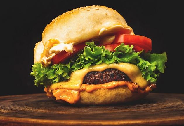Hambúrguer: 8 receitas para fazer em casa enquanto você assiste ao Hero's Burger