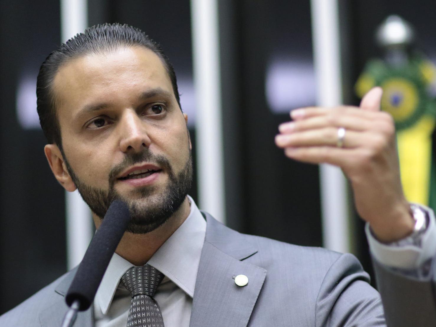 Secretário dos Transportes de SP pede demissão para concorrer ao senado