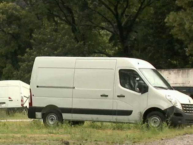 Criminosos roubam mais de 40 vans zero km de estacionamento na zona sul de SP