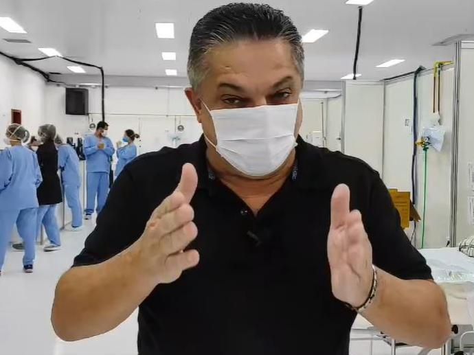 Elogiada por Bolsonaro, Chapecó teve 4 vezes mais mortes por Covid em 2021