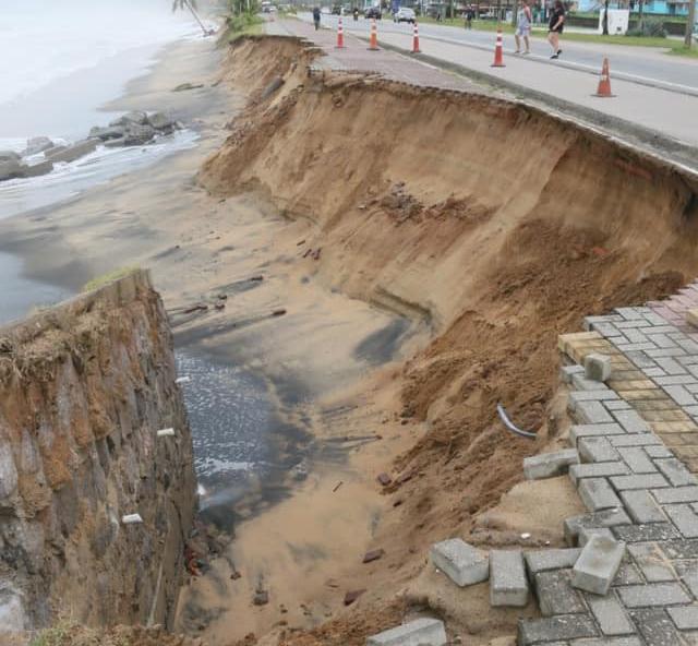 DER inicia obras na orla da Rio-Santos para corrigir erosões de ressacas, em Caraguatatuba