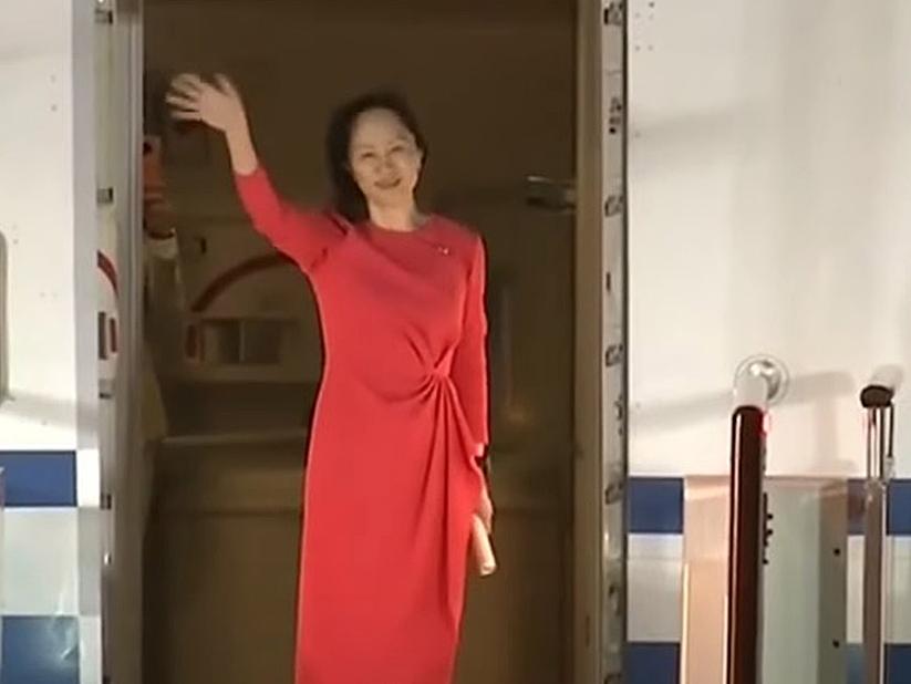 Executiva da Huawei volta para a China após três anos em prisão domiciliar no Canadá