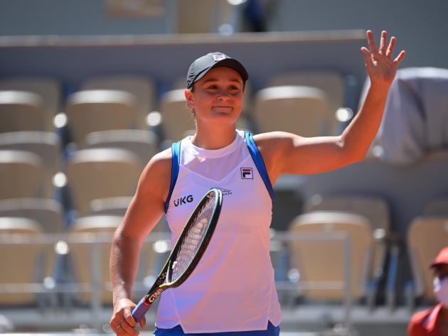 Número 1 do mundo, Ashleigh Barty vence estreia complicada em Roland Garros