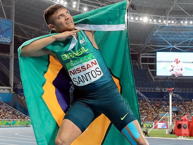 Corredor paraibano conquistou o ouro nos 100m rasos