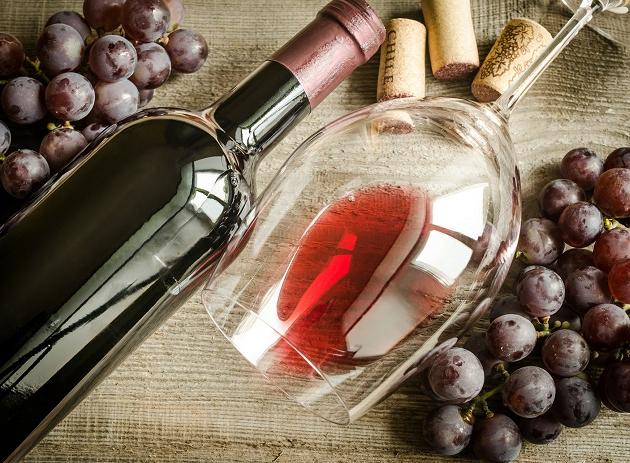 Conheça a Sangiovese, uva que produz vinhos leves, delicados e versáteis na hora da harmonização
