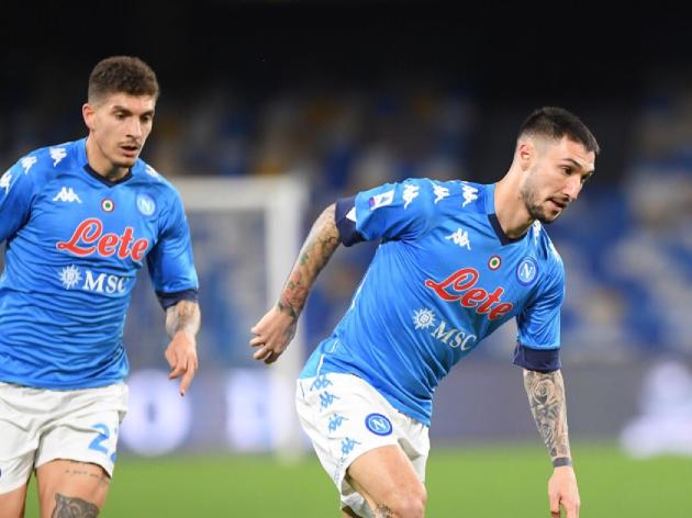 Com um a menos, Napoli vence o Benevento com facilidade; assista aos gols