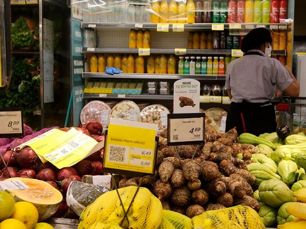 Frio intenso impacta os preços dos alimentos. Juliana Rosa explica
