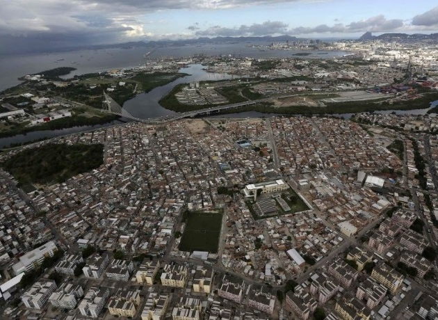 Fiocruz planeja vacinar todos os moradores do Complexo da Maré, no Rio de Janeiro