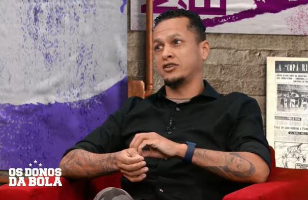 """Souza: """"Esperança é verde e passa longe do Corinthians"""""""
