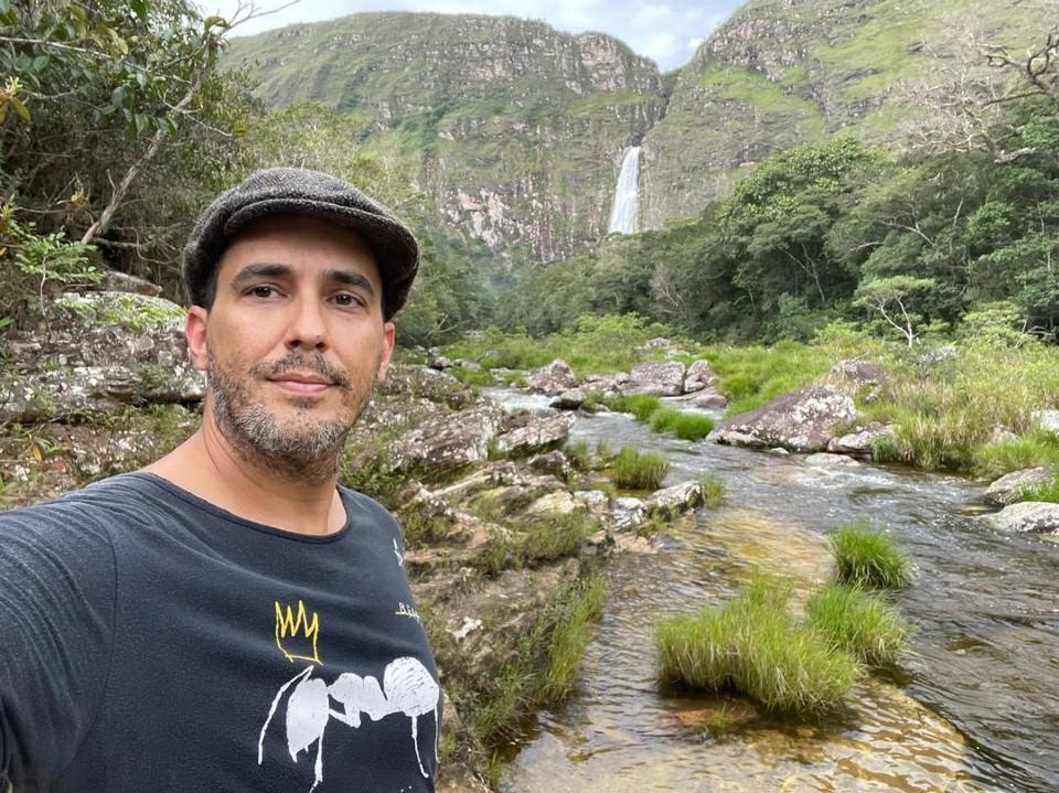 André Marques faz churrasco em reserva ambiental e é criticado