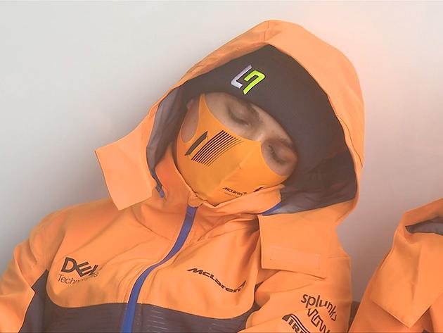 F1: Lando Norris ignora caos e cai no sono no circuito de Spa-Francorchamps