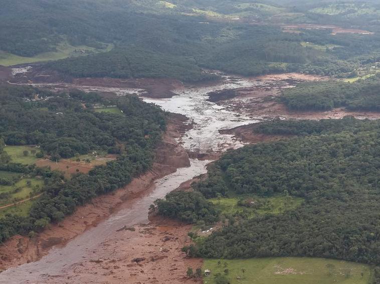 Rompimento de barragem em Brumadinho matou 270 pessoas e segue com dez desaparecidos
