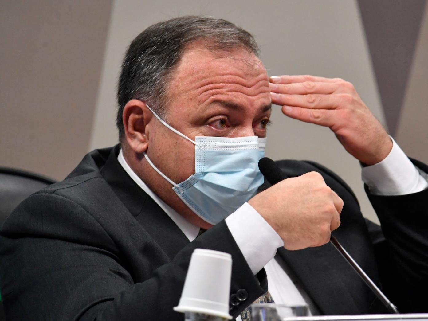 Pazuello nega ter negociado com intermediários para compra da CoronaVac