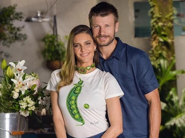 Rodrigo Hilbert e Fernanda Lima revelam que comeram a placenta da filha