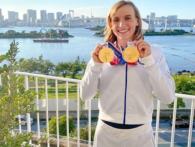 Nadadora de 24 anos conquistou dois ouros e duas pratas em Tóquio