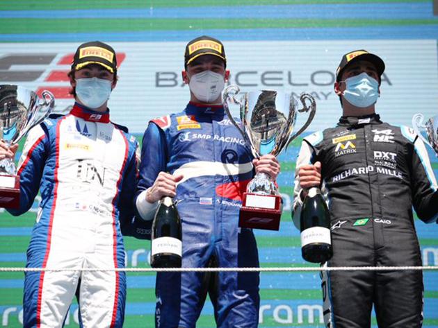 F3: Smolyar vence 1ª prova, Collet é 3º; Fittipaldi larga na pole na corrida 2