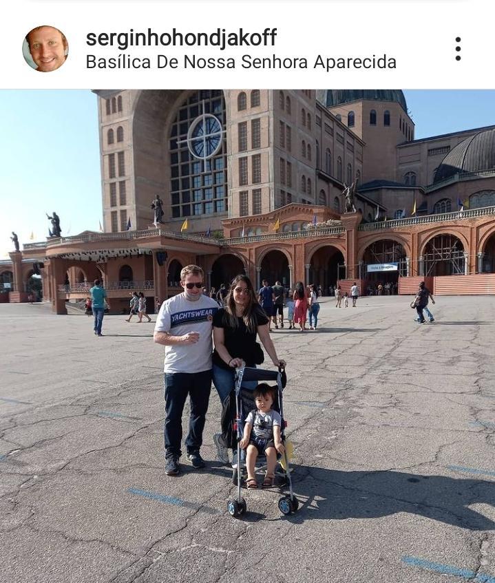Após ser vítima de cárcere privado em clínica de recuperação, Sérgio Hondjakoff visita Santuário de Aparecida