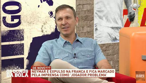 """Velloso diz que Neymar voltou a ser menino em expulsão e vê """"excesso de pano"""""""