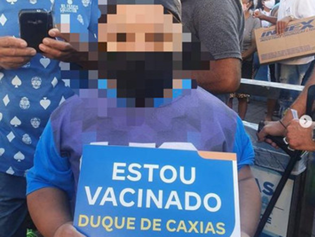 Vacinação em Duque de Caxias (RJ) registra confusão; criança com Síndrome de Down foi imunizada