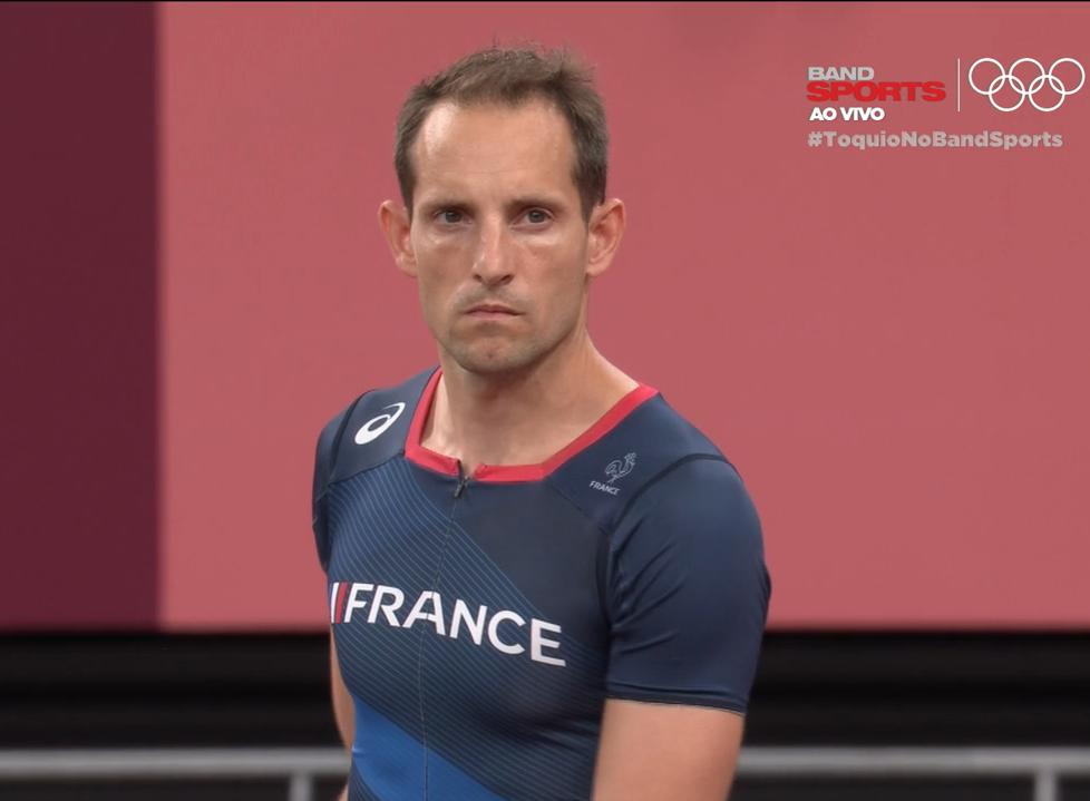 Lavillenie durante a final do salto com vara nos Jogos de Tóquio: francês ficou fora do pódio, para a alegria da torcida brasileira